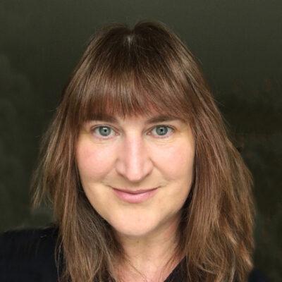 Linda Headshot web